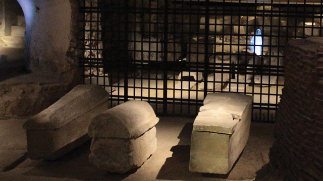 Cryptes de la Basilique de Saint-Denis, personnage de la fiction immersive Ghost Invaders